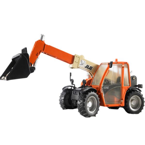 Traktor sa tel. kašikom JLG